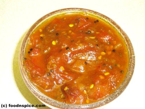 Tomato Date Chutney